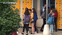 Η Γαλλία απαγορεύει δια νόμου τα κινητά στα σχολεία