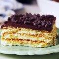 Boston Cream Pie Lasagna = the no-bake summer dessert that will ALWAYS beat Boston Cream Pie.Full recipe: