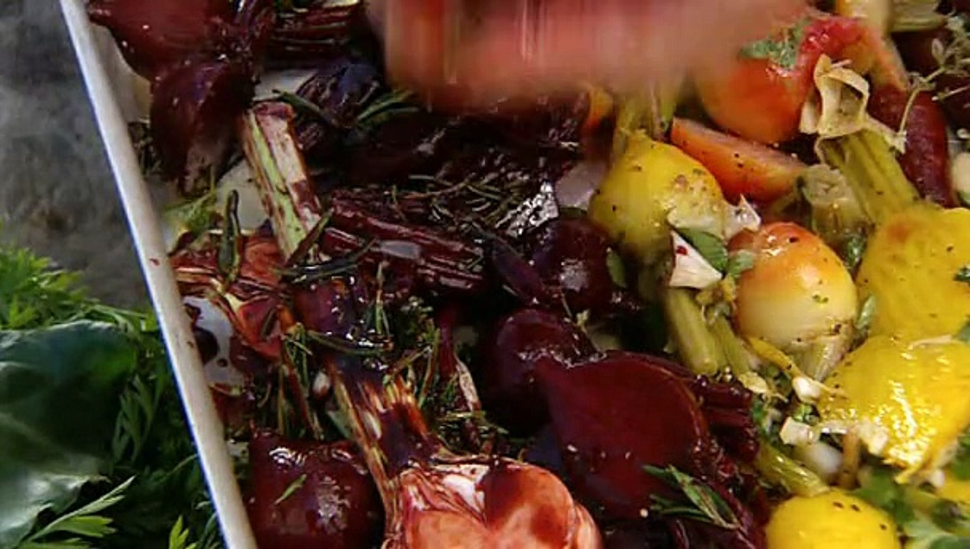 Jamie Oliver - Jamie at Home S01E06 - Carrots and Beets