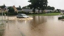 À Châteaubriant, la route de Saint-Aubin-des-Châteaux est inondée