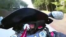 Un motard perd le contrôle de sa moto dans un virage !