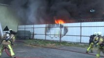 Kağıthanede Fabrika Yangını   fabrika Alev Alev Yanıyor