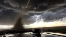 La formation d'une tornade filmée en 4K et au plus près de l'orage... Impressionnant