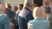 İstanbul- Abdullah Gül Bayram Namazını Tekke Camii'nde Kıldı