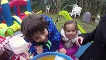 VLOG - FUN PARK dans le jardin - TOBOGGAN, CHÂTEAU GONFLABLE & BARBE A PAPA - UN INCROYABLE GOÛTER