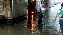 İstanbul'da sağnak yağış etkili oldu