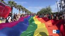 """Barletta: oltre 1500 persone per il Puglia Pride 2018 """"chiuderemo i porti agli omofobi"""". Evento patrocinato dal comune"""