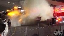 Il saute sur la piste pour sortir son fils d'une voiture en flamme en pleine course de Nascar