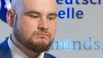Russo que assediou repórter da DW ao vivo pede desculpas