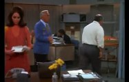Mary Tyler Moore S01 - Ep24 The 45-Year-Old Man HD Watch