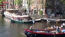 Amsterdam : brouhaha incompréhensible sur les canaux entre bateliers (vidéo)