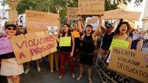Manifestations en Espagne contre la remise en liberté de violeurs, dans l'attente de leur procès en appel
