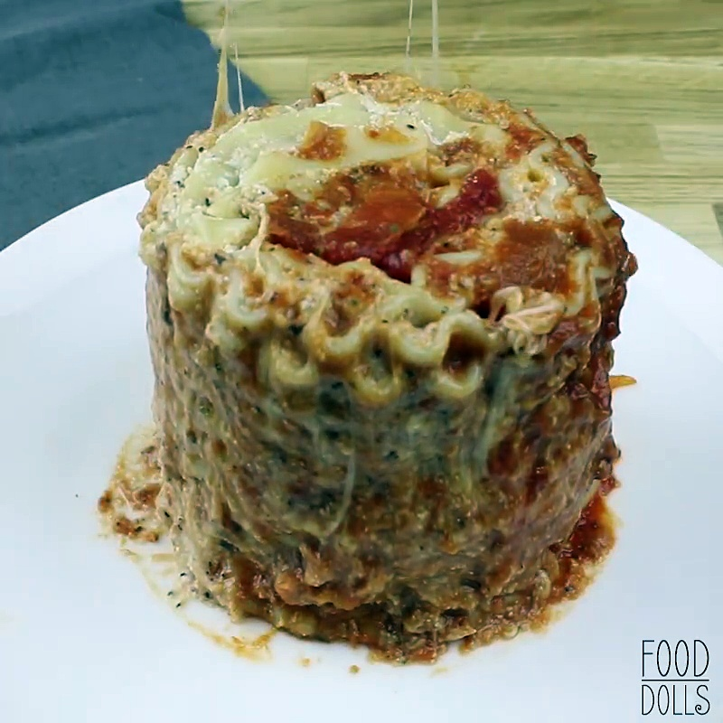 Easy Lasagna in a Mug via Food Dolls: