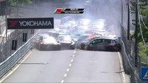 Une collision entre 2 voitures bloque toutes les pilotes au WTC Portugal !