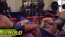 RARE FOOTAGE OF ARNOLD SCHWARZENEGGER TRAINING CHEST AND SHOULDERS - Bodybuilding Muscle Fitness