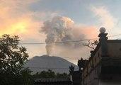 Bali's Mount Agung Eruption Causes Flight Disruptions, Evacuations