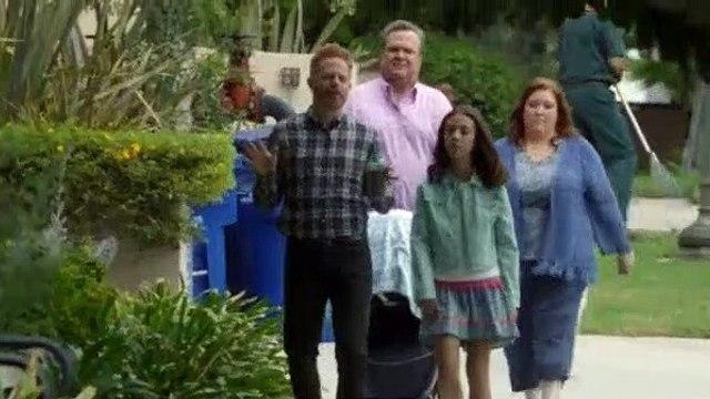 Modern Family S09E02 The Long Goodbye