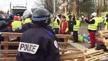 Démantèlement du blocus des gilets jaunes par la police à Easydis Besançon