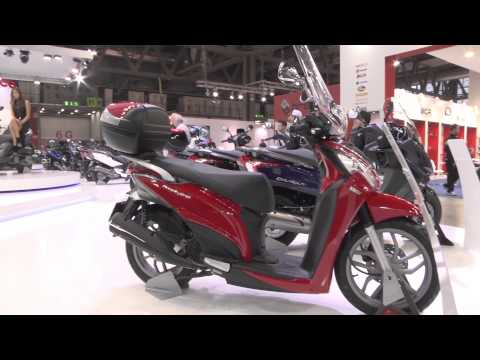 Kymco Stand live at EICMA 2013 part 2 | AutoMotoTV