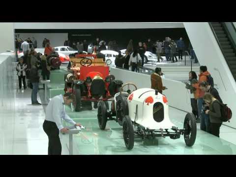 New Porsche Museum – Classic Porsche models