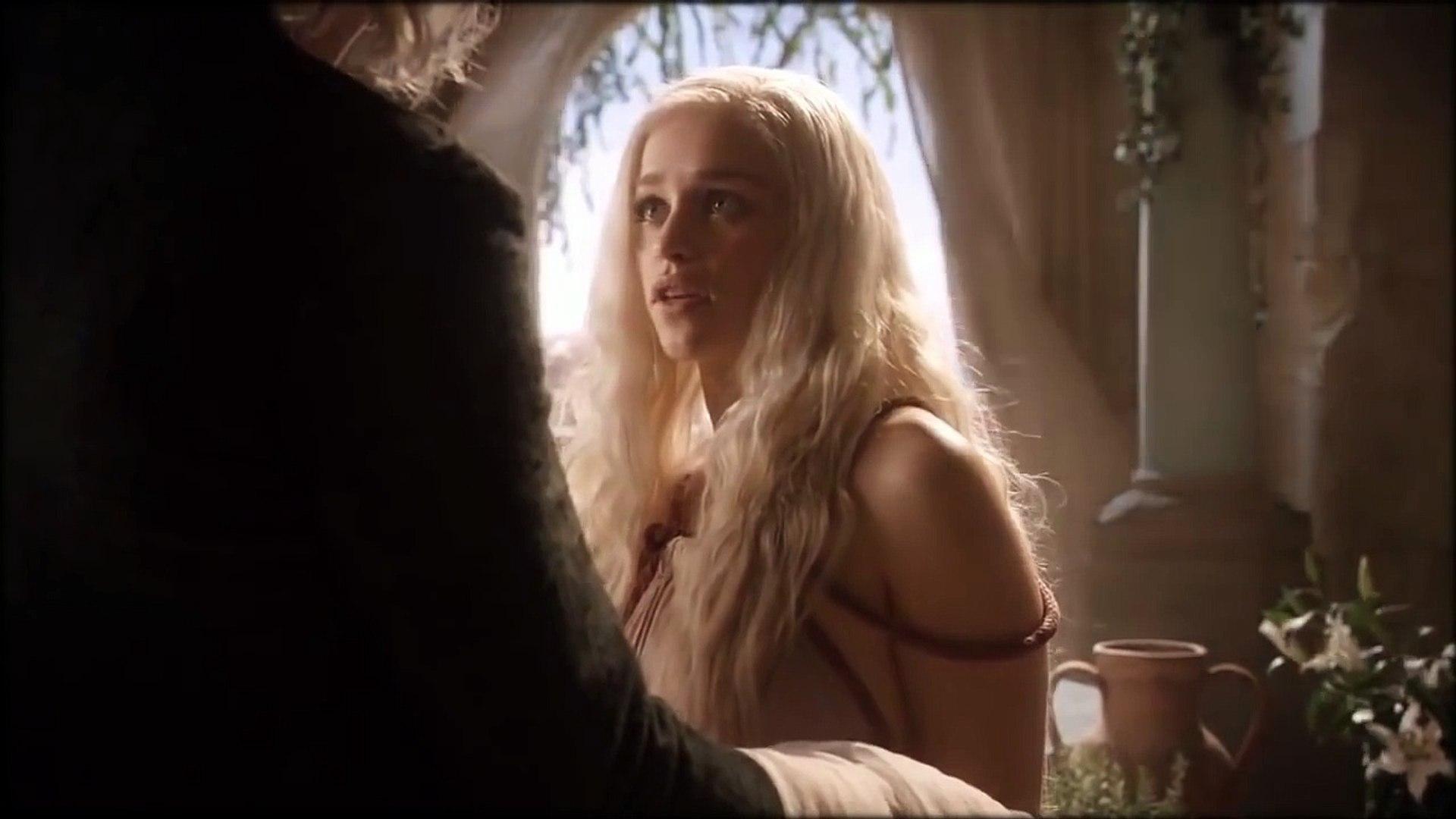 Daenerys and Viserys bath scene   video dailymotion