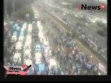 Pantauan demo sopir taksi dari CCTV NTMC Polri di depan gedung DPR RI - Breaking News 22/03