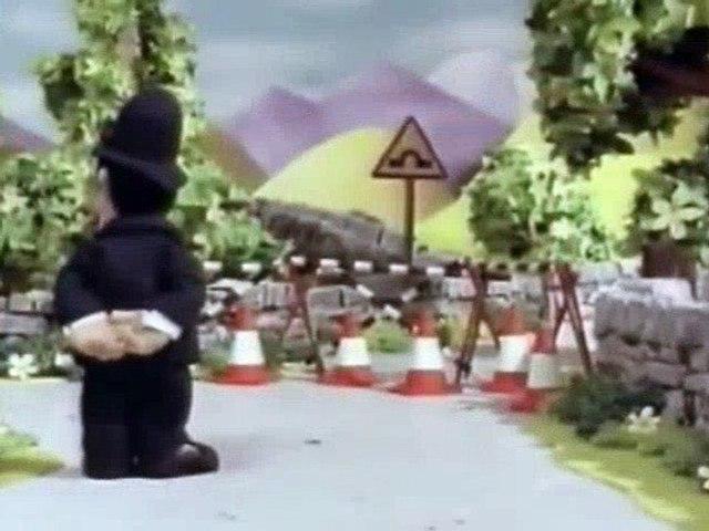 Postman Pat S00E01 - Postman Pat Takes The Bus | Godialy.com