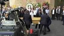 Vanzina, ai funerali l'omaggio del cinema: da Sorrentino a Boldi
