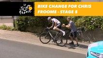 Changement de vélo pour / Bike change for Chris Froome - Étape 5 / Stage 5 - Tour de France 2018