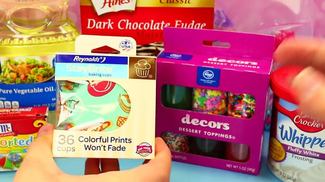 Cupcake Maker Tutorial With Chocolate Cakes & Candy Sprinkles