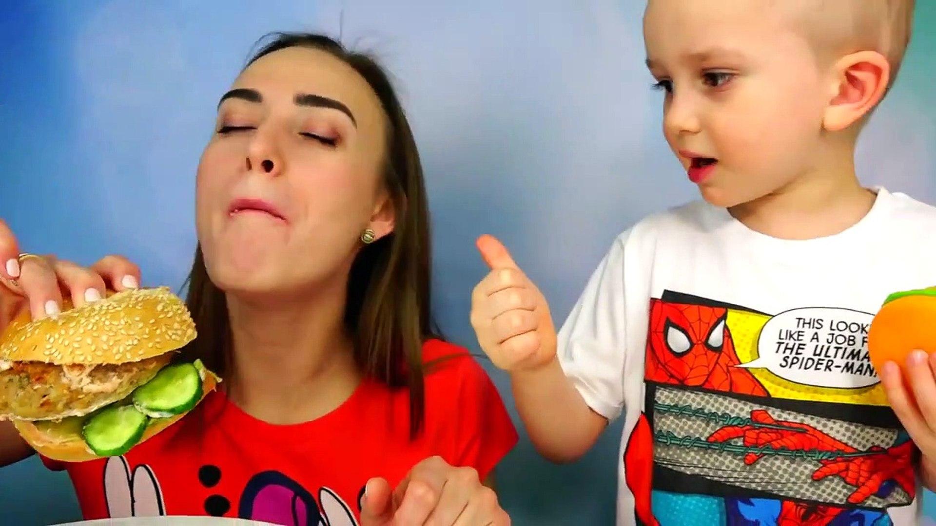 Обычная Еда или Мармелад؟ Челлендж !! Giant Spider vs Gummy Spider Food Candy Challenge