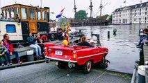 Des voitures amphibies naviguent sur les canaux d'Amsterdam