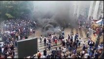 Besançon : les fumigènes prennent le pas sur les chants et les danses collectives