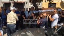 Report TV - Shkodër, përcillen për në banesën e fundit ish-polici Bërcana dhe bashkëjetuesja e tij