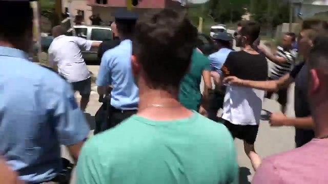 Përleshje fizike në protestën në Mramor, arrestohen pesë persona