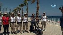 Antalya Konyaaltı Sahilinde Suçluların Korkulu Rüyası 'Kadın Güvenlikçiler'