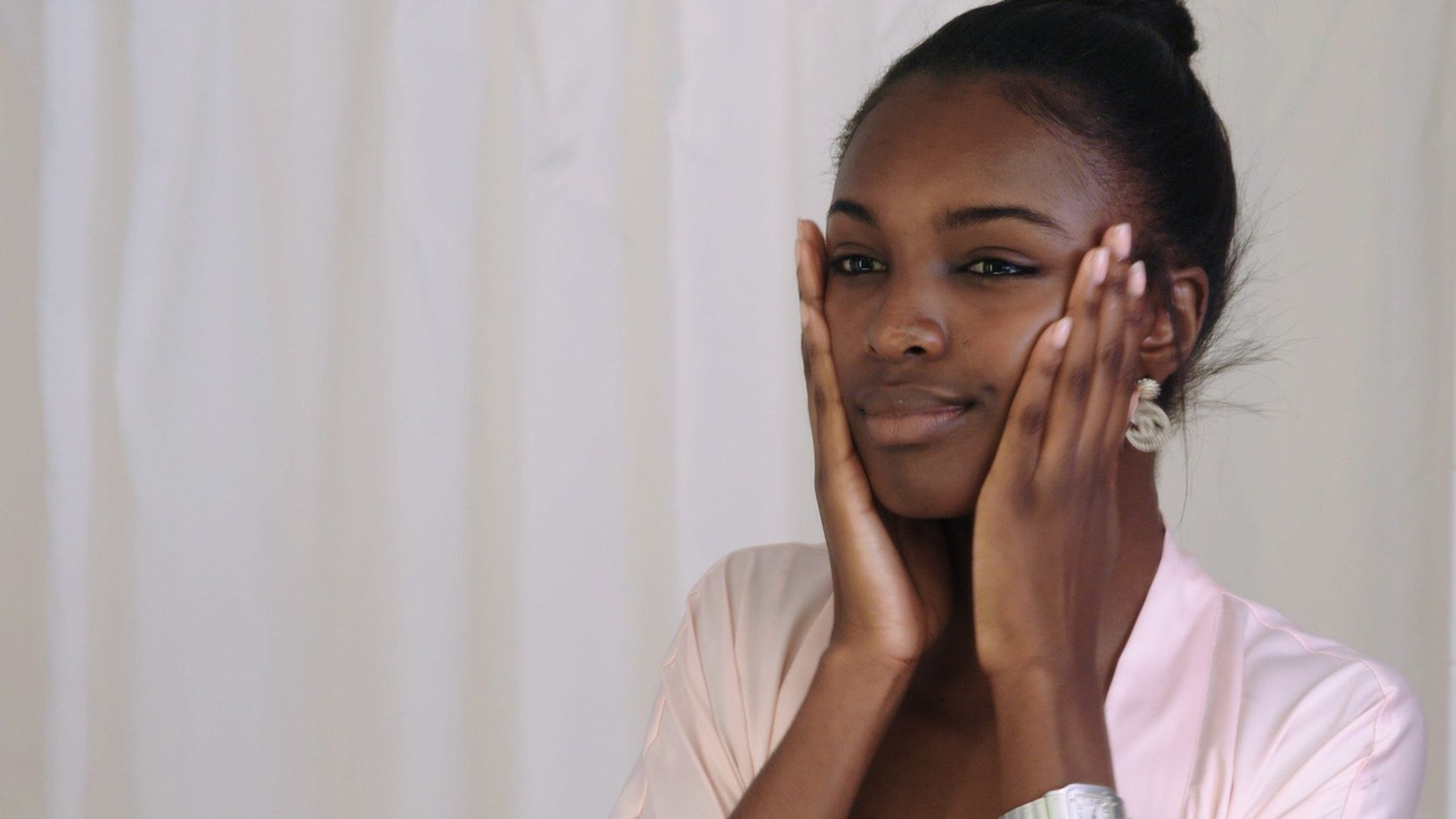 Leomie Anderson Shares Her Nighttime Skincare Routine