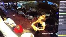 Un homme regrette instantanément d'avoir touché les fesses d'une serveuse aux États-Unis