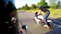 Il veut se la jouer en moto et se prend la gamelle de sa vie