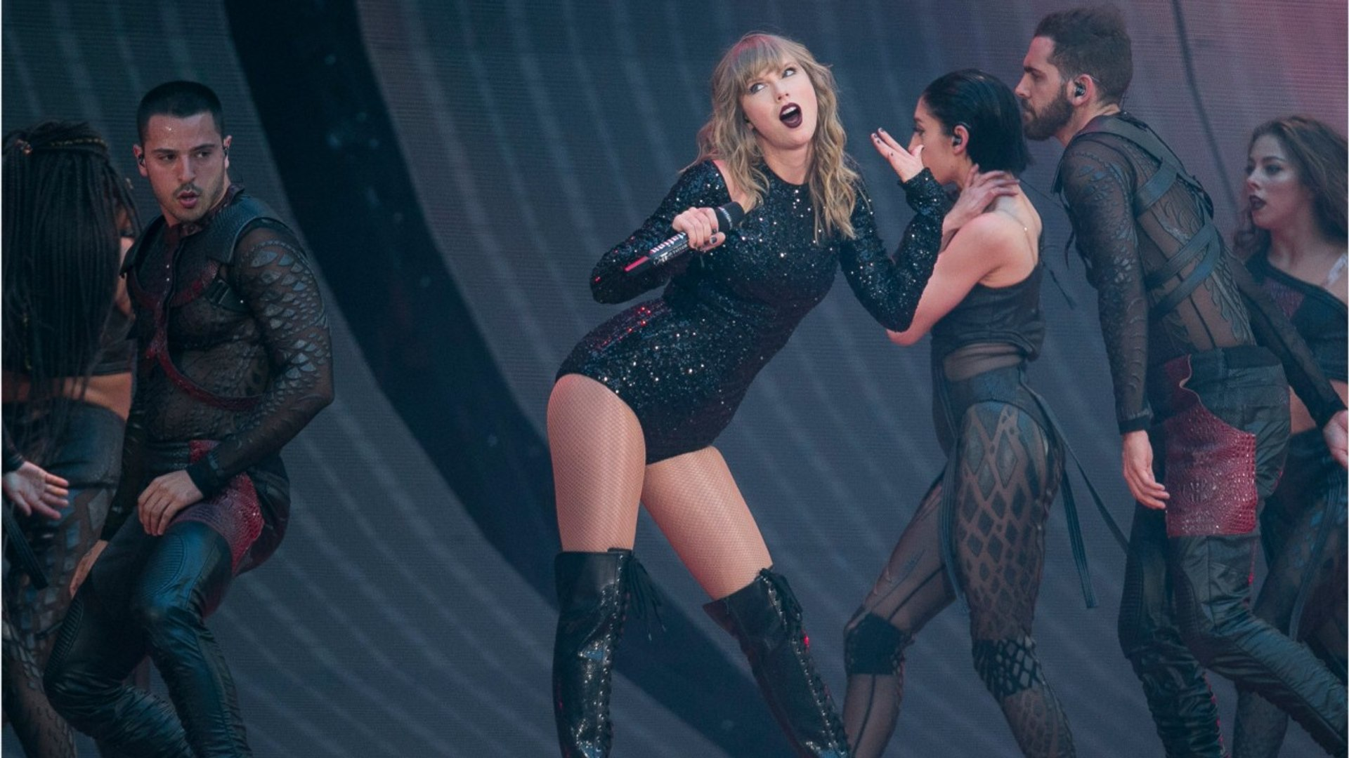 Cat Lover Taylor Swift To Star In Cat Musical Film