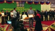 Cambodge: l'éducation, cheval de bataille électorale de Hun Sen
