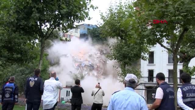 Sültüce'de Binanın Çökme Anının Aktüel Görüntüsü 1