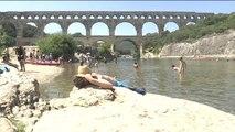 Culture et rafraîchissement sous le pont du Gard - 24/07/2018
