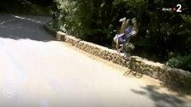 L'énorme chute de Philippe Gilbert (Tour de France) - ZAPPING TÉLÉ DU 25/07/2018