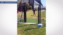 Quand Mario Balotelli marque de derrière la cage !