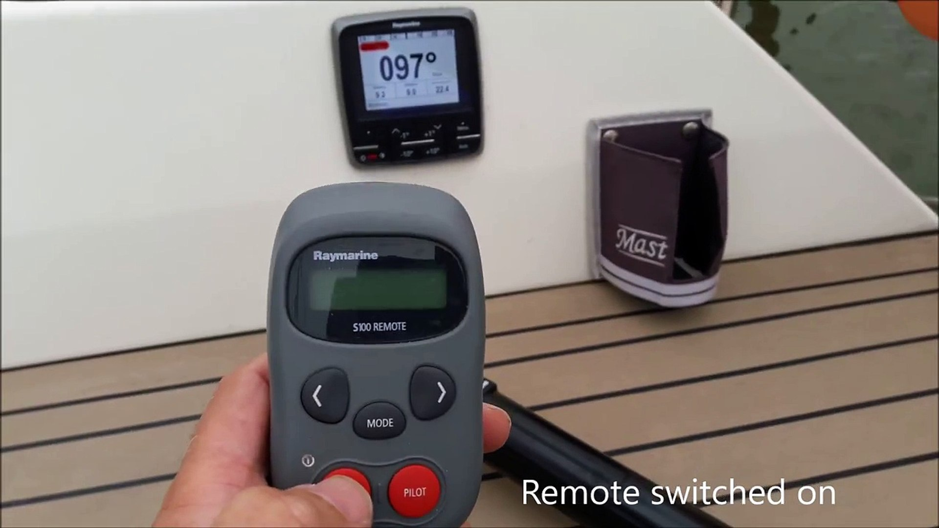 Raymarine S100 remote connects to EVO100 autopilot