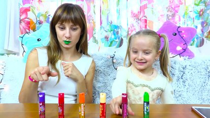 Little Babies Learn Colors with Lipstick
