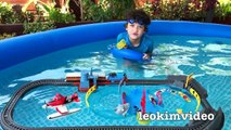 Micro Boats Thomas The Tank Pool Tracks Giant Shark Toys In The Pool