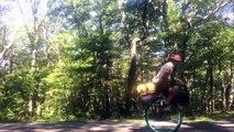 Ed fietst 3 jaar op eenwieler om geld op te halen voor arme kinderen