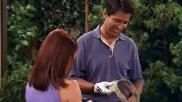 Everybody Loves Raymond S08 - Ep01 Fun with Debra HD Watch